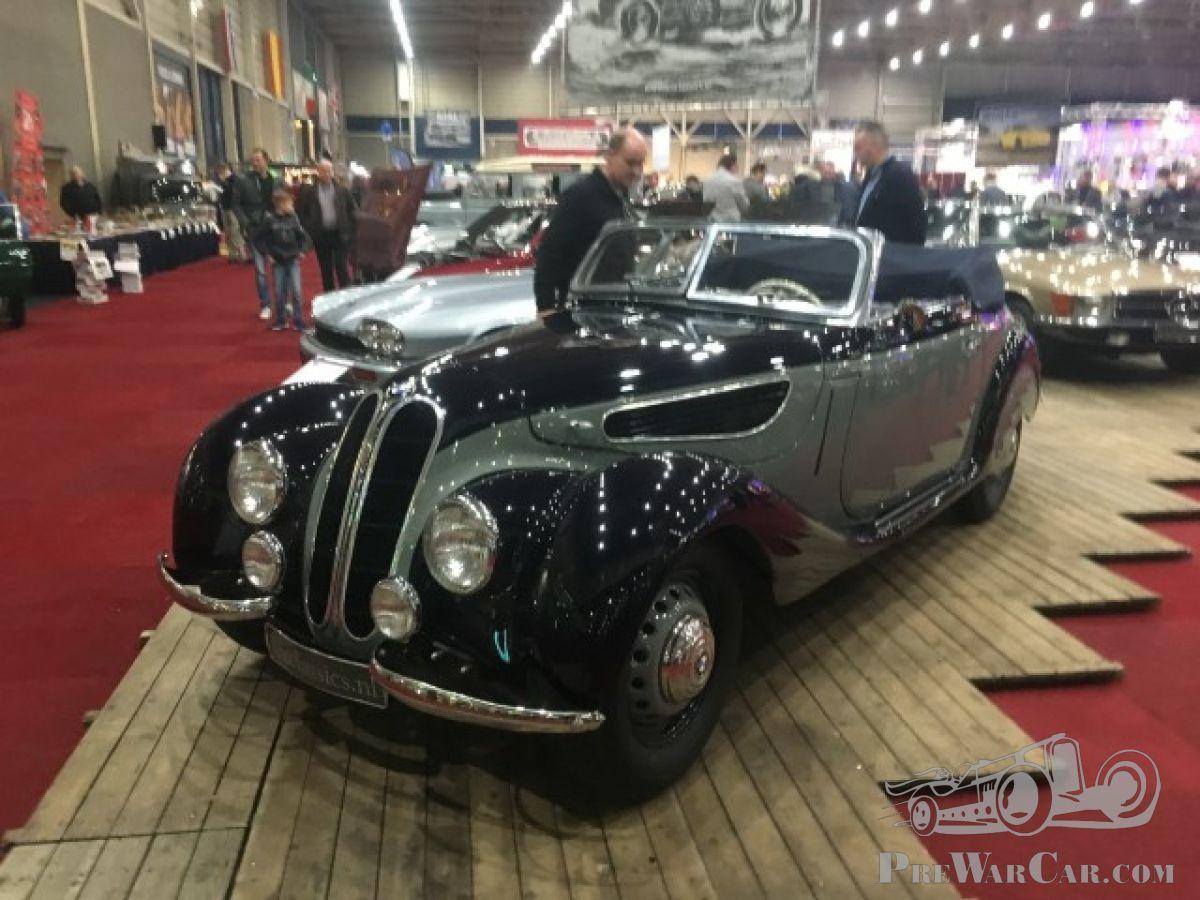 Spotting pre-war cars at InterClassics show